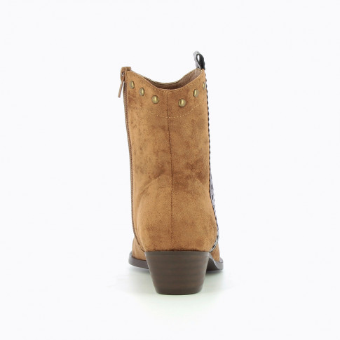 Camel Cowboy boots with laced strap