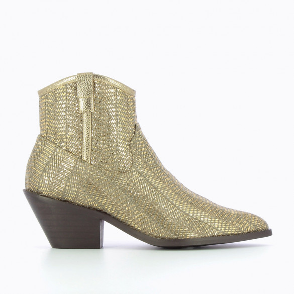 Gold Santiag ankle boots with braided raffia effect