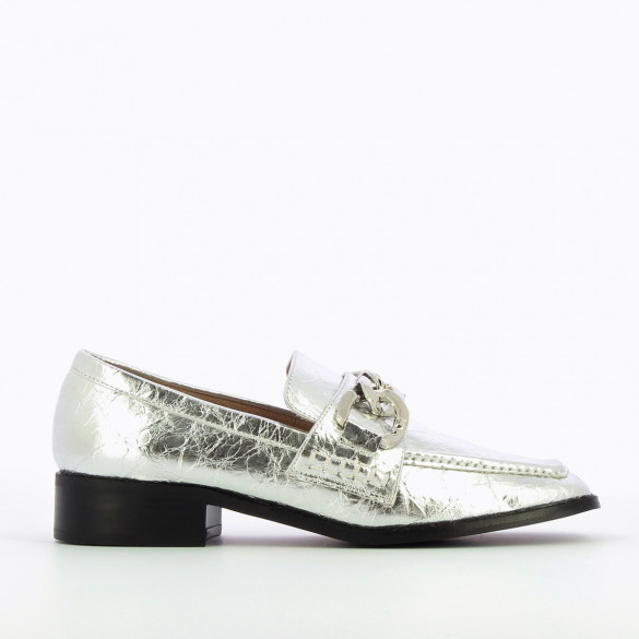 square toe loafers metallic silver wrinkled effect silver chaine woman Vanessa Wu