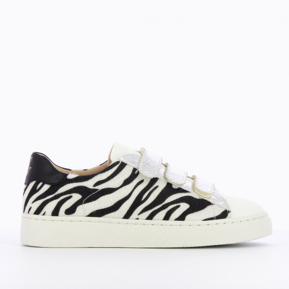 sneakers animal print white and black silver velcro serrated edges woman Vanessa Wu