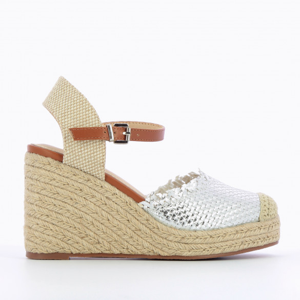 Wedges woven silver metallic decorated with fringes rope heel and camel strap woman Vanessa Wu