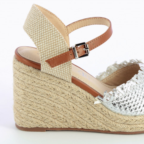 Wedge sandals with silver braiding