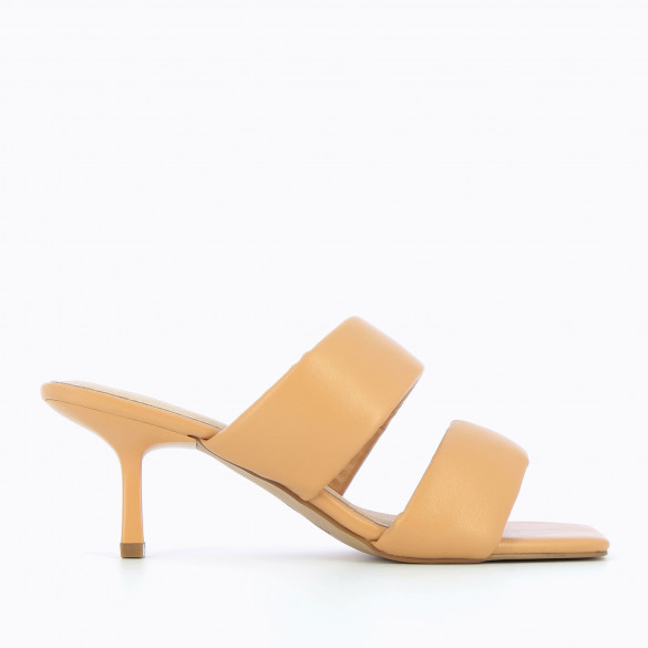 Nude mules 90s kitten heel and padded straps woman Vanessa Wu square toe
