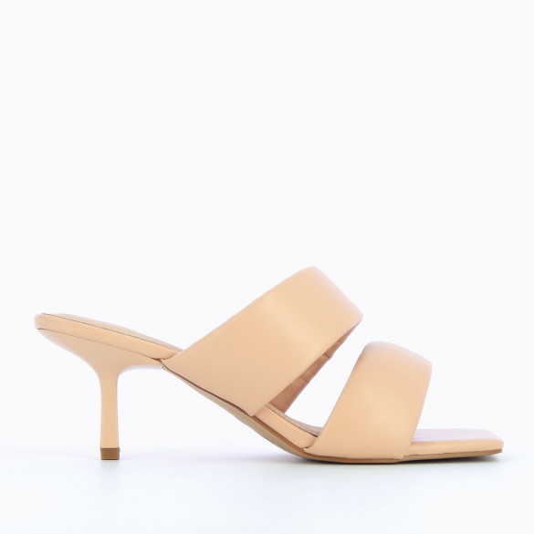 Light pink mules kitten heel 90s with padded straps woman Vanessa Wu square toe