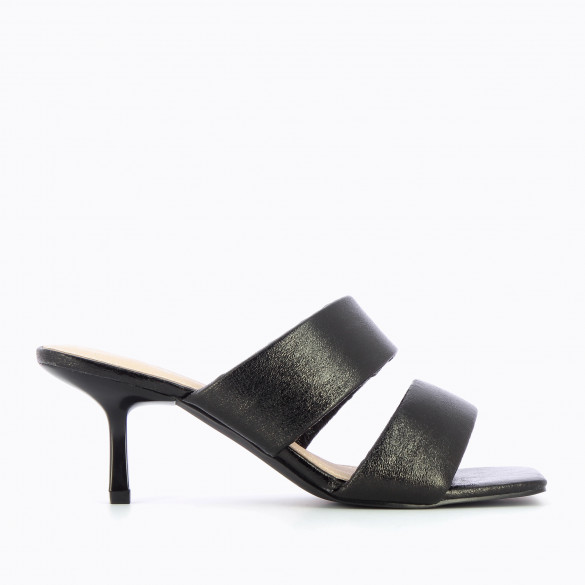 Black mules textured with padded straps woman Vanessa Wu kitten heel and square toe